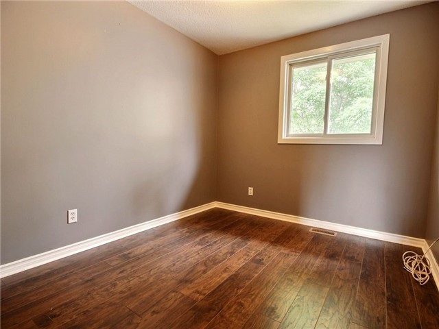 Condo Townhouse at 43 Woodfield Dr, Unit D, Ottawa, Ontario. Image 3