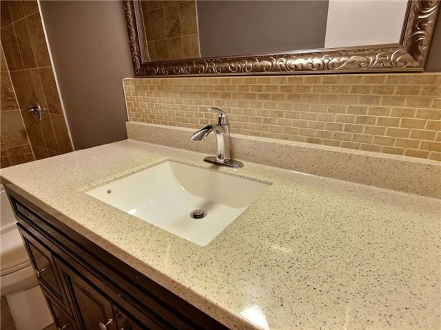 Condo Townhouse at 43 Woodfield Dr, Unit D, Ottawa, Ontario. Image 4