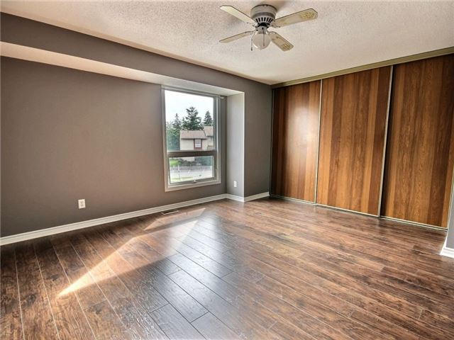 Condo Townhouse at 43 Woodfield Dr, Unit D, Ottawa, Ontario. Image 5