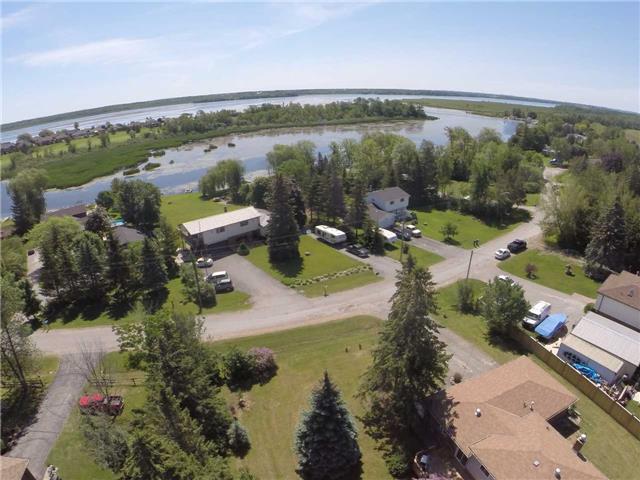 Detached at 20 Robinglade Ave, Kawartha Lakes, Ontario. Image 11
