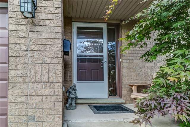 Semi-detached at 15 Gonzalez Crct, Thorold, Ontario. Image 13