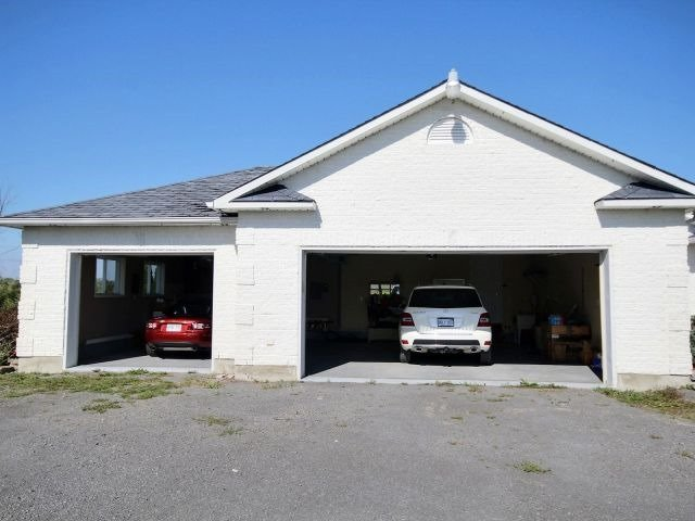 Detached at 1115 Concession Rd 1, Alfred & Plantagenet, Ontario. Image 2
