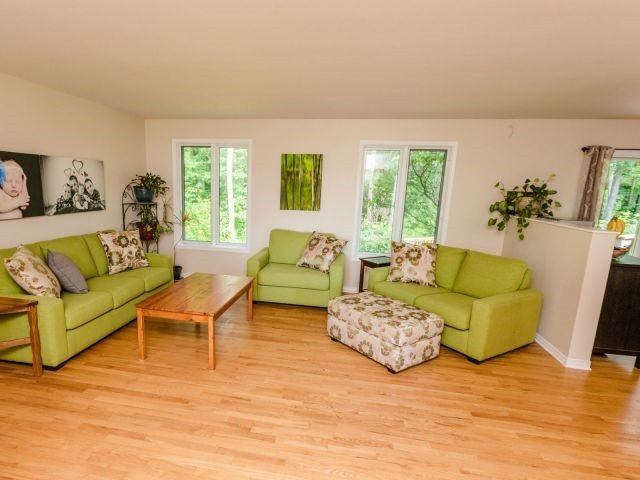 Detached at 723 Route 200, Russell, Ontario. Image 15