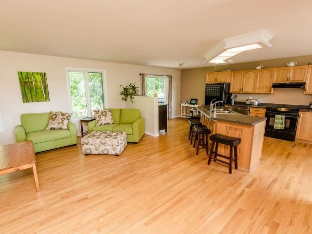 Detached at 723 Route 200, Russell, Ontario. Image 16