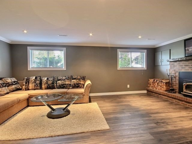 Detached at 6 Bayshore Cres, St. Catharines, Ontario. Image 9