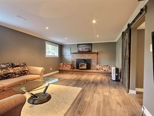 Detached at 6 Bayshore Cres, St. Catharines, Ontario. Image 11