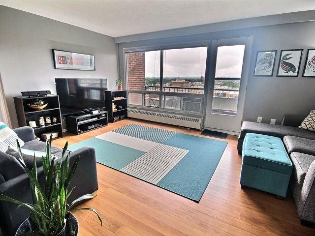 Condo Apartment at 20 Chesterton Dr, Unit 912, Ottawa, Ontario. Image 5