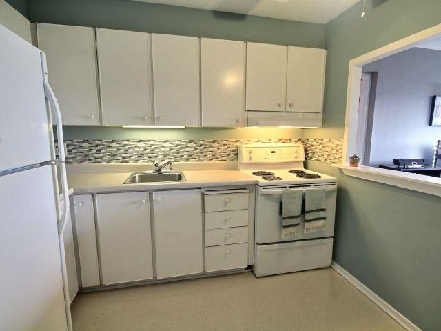 Condo Apartment at 20 Chesterton Dr, Unit 912, Ottawa, Ontario. Image 8