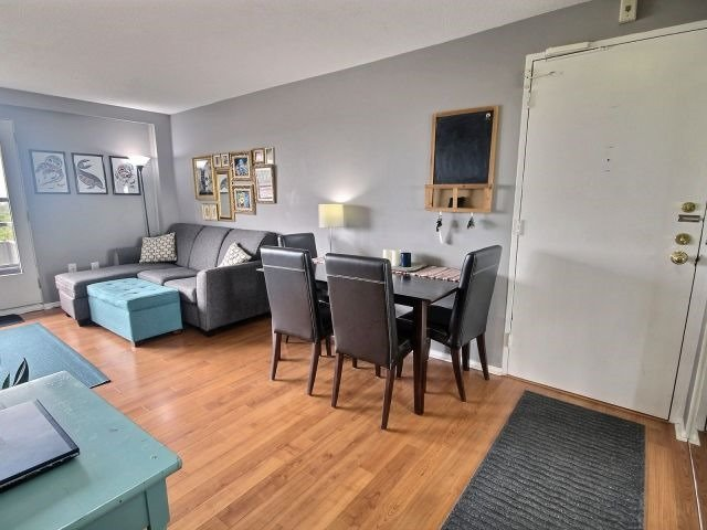 Condo Apartment at 20 Chesterton Dr, Unit 912, Ottawa, Ontario. Image 4