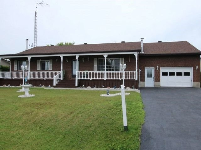 Detached at 22 Maisonneuve St, Clarence-Rockland, Ontario. Image 1
