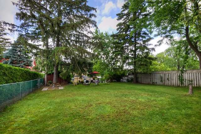 Detached at 21 Woodland Ave, Kitchener, Ontario. Image 10