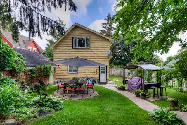Detached at 21 Woodland Ave, Kitchener, Ontario. Image 11