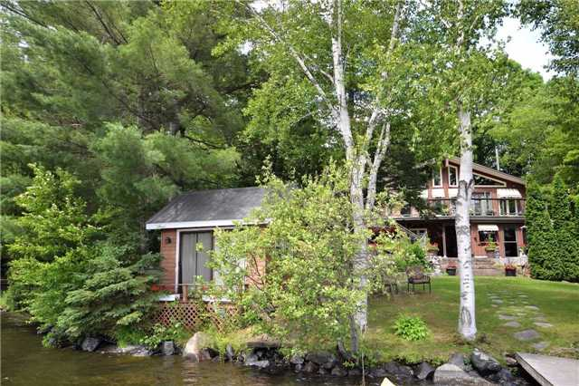 Rural Residence at 38 Hawk's Bay Lane, North Kawartha, Ontario. Image 12
