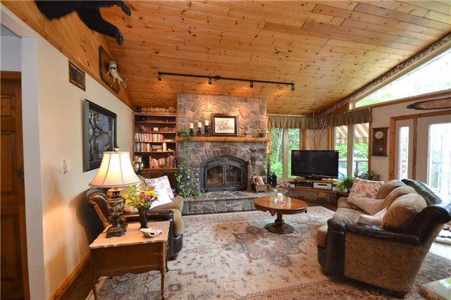 Rural Residence at 38 Hawk's Bay Lane, North Kawartha, Ontario. Image 18