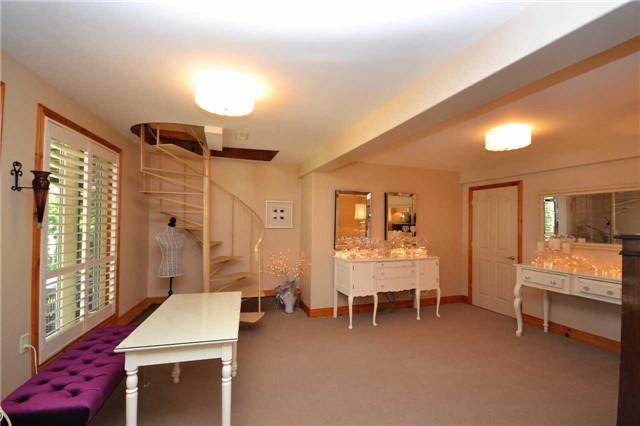 Rural Residence at 38 Hawk's Bay Lane, North Kawartha, Ontario. Image 6