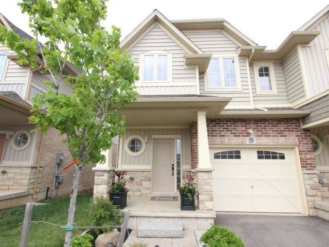 Townhouse at 8 Lakelawn Rd, Unit 29, Grimsby, Ontario. Image 1