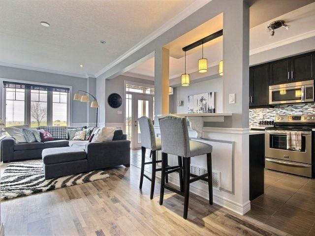 Townhouse at 8 Lakelawn Rd, Unit 29, Grimsby, Ontario. Image 19