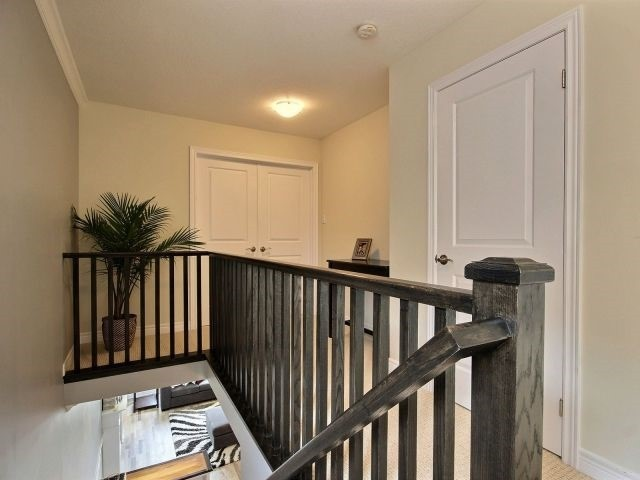 Townhouse at 8 Lakelawn Rd, Unit 29, Grimsby, Ontario. Image 3