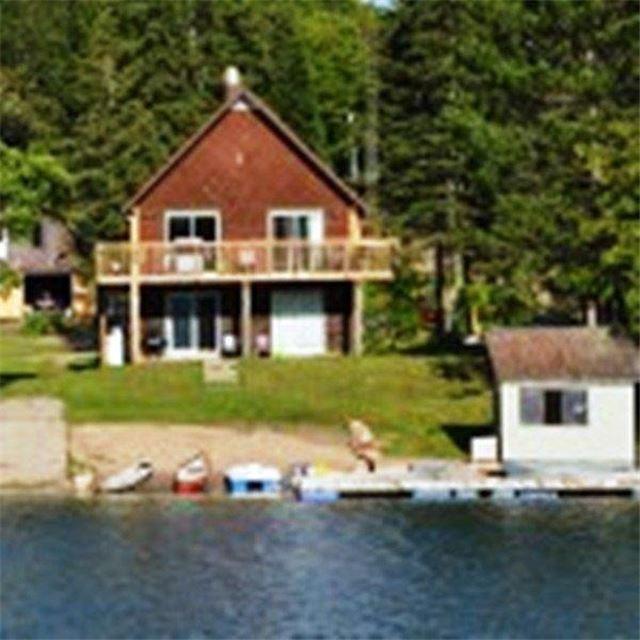 Cottage at 102 White Birch Lane, Carlow/Mayo, Ontario. Image 1