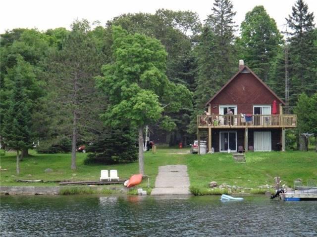 Cottage at 102 White Birch Lane, Carlow/Mayo, Ontario. Image 5