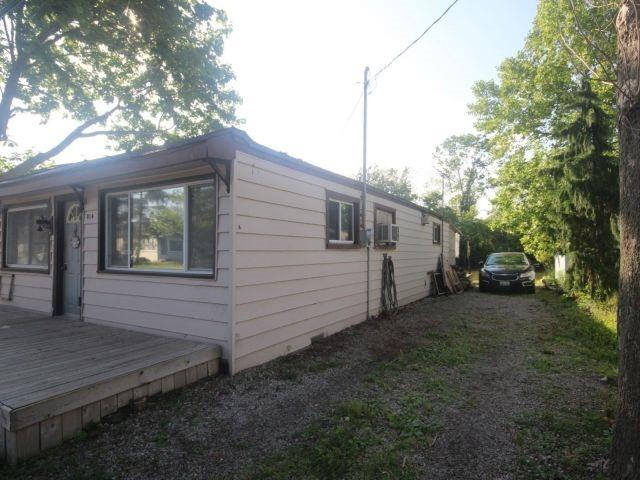 Detached at 814 Cedar Island Dr, Kingsville, Ontario. Image 14