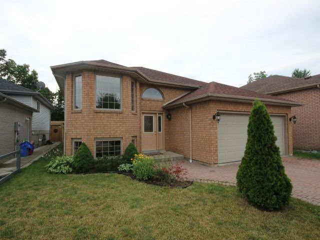Detached at 713 Silverdale Dr, Windsor, Ontario. Image 1
