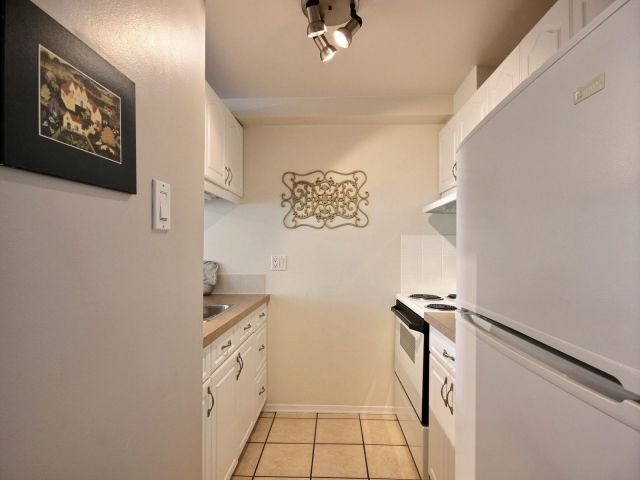 Condo Apartment at 6470 Bilberry Dr, Unit 212, Ottawa, Ontario. Image 14