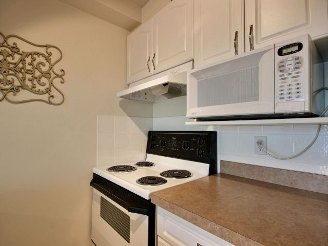 Condo Apartment at 6470 Bilberry Dr, Unit 212, Ottawa, Ontario. Image 16