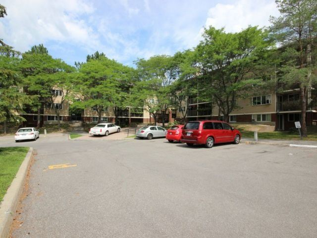 Condo Apartment at 6470 Bilberry Dr, Unit 212, Ottawa, Ontario. Image 9