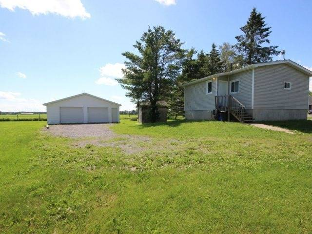 Detached at 929 Route 400 E, Casselman, Ontario. Image 11