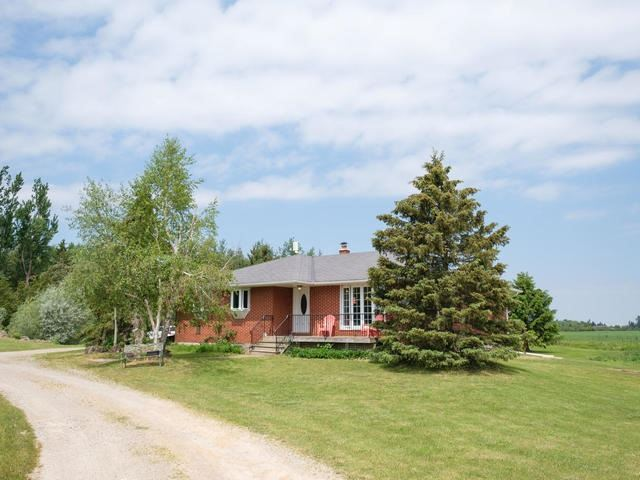 Detached at 285171 County Rd 10, Amaranth, Ontario. Image 1