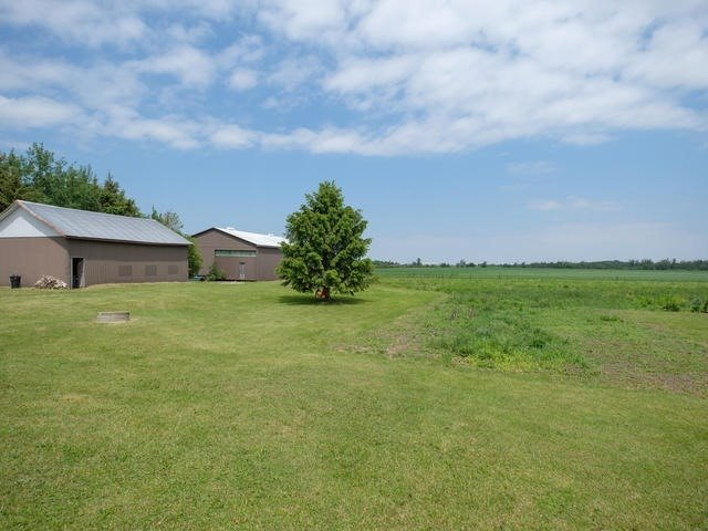 Detached at 285171 County Rd 10, Amaranth, Ontario. Image 6
