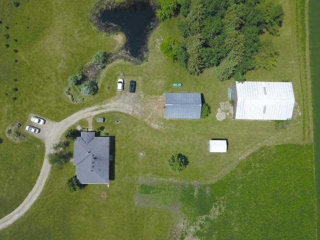 Detached at 285171 County Rd 10, Amaranth, Ontario. Image 7