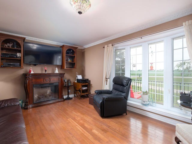 Detached at 285171 County Rd 10, Amaranth, Ontario. Image 10