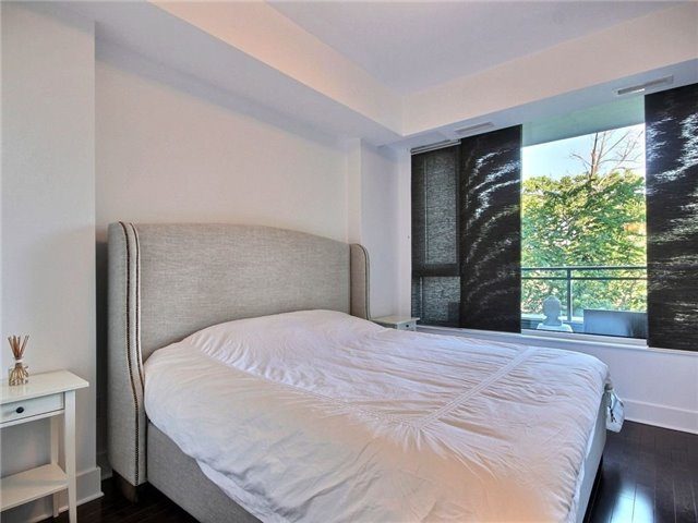 Condo Apartment at 101 Richmond Rd, Unit 210, Ottawa, Ontario. Image 13