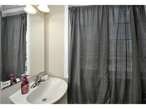 Condo Townhouse at 28 Sienna St, Unit G, Kitchener, Ontario. Image 7