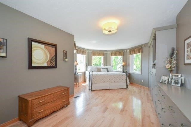 Detached at 5 Manor Wood Cres, Kincardine, Ontario. Image 16
