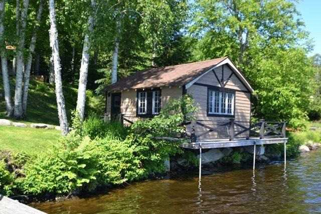 Cottage at 2041 North Baptiste Lake Rd, Bancroft, Ontario. Image 18