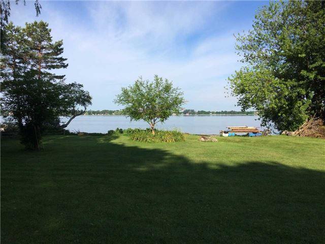 Cottage at 11 Bayview Crt, Kawartha Lakes, Ontario. Image 1