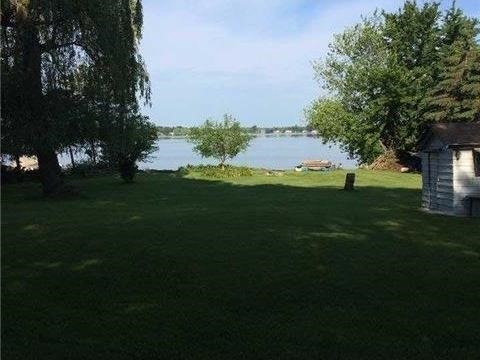 Cottage at 11 Bayview Crt, Kawartha Lakes, Ontario. Image 2