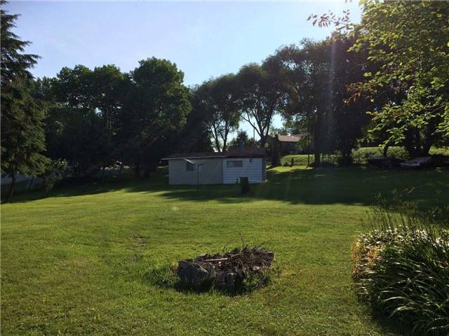 Cottage at 11 Bayview Crt, Kawartha Lakes, Ontario. Image 6
