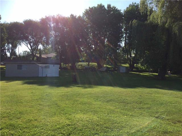 Cottage at 11 Bayview Crt, Kawartha Lakes, Ontario. Image 7