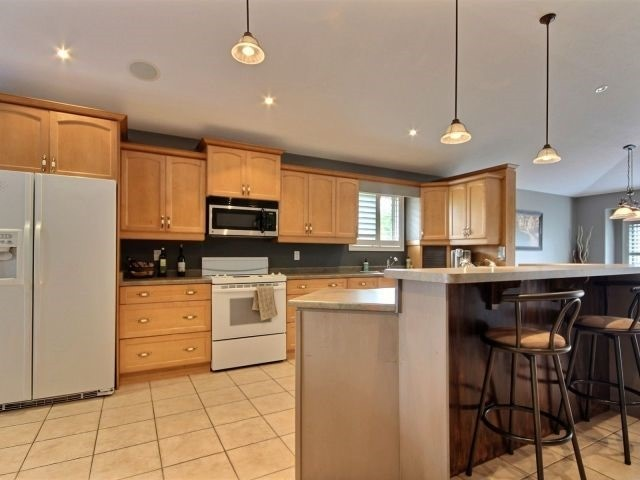 Detached at 125 Olivetree Rd, Brant, Ontario. Image 12