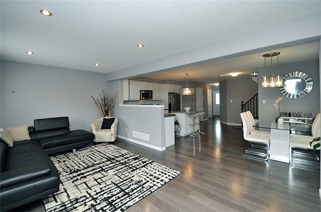 Detached at 1296 Countrystone Dr, Kitchener, Ontario. Image 14