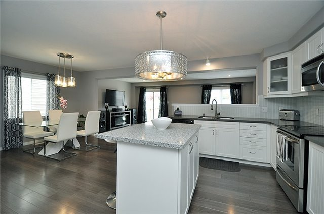 Detached at 1296 Countrystone Dr, Kitchener, Ontario. Image 16