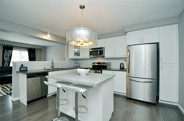Detached at 1296 Countrystone Dr, Kitchener, Ontario. Image 17