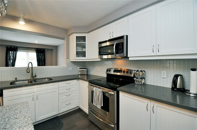 Detached at 1296 Countrystone Dr, Kitchener, Ontario. Image 19