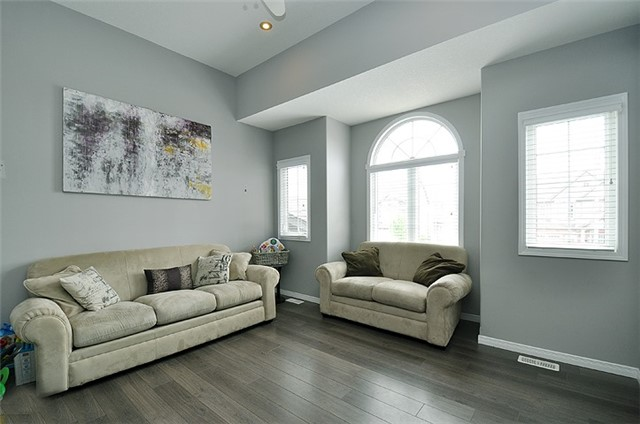 Detached at 1296 Countrystone Dr, Kitchener, Ontario. Image 4