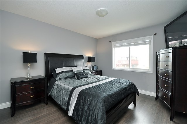 Detached at 1296 Countrystone Dr, Kitchener, Ontario. Image 7