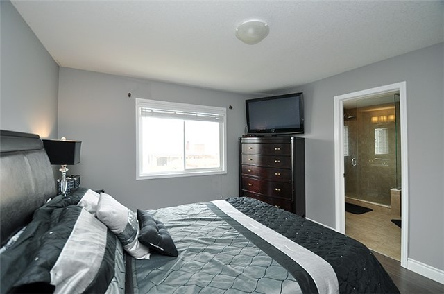 Detached at 1296 Countrystone Dr, Kitchener, Ontario. Image 8